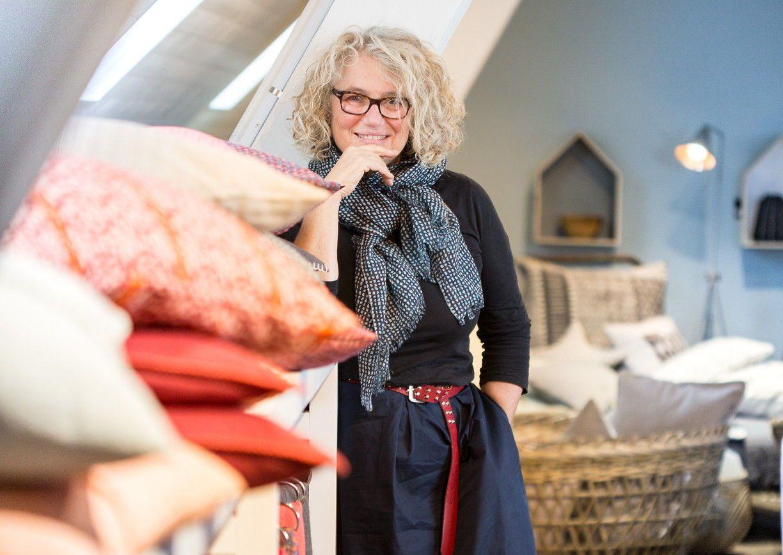 Sonja Ladstätter gibt mit der Design-Wohninsel 4 Stuben Haus ihren Gästen ein vorübergehendes, stilvolles Zuhause. Und lebt dort aus, was sie in ihrem DF Shop im Lagerhaus verkauft.
