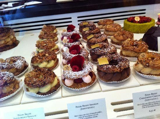 Pierre Herme Paris Bakery One Close To Place Saint Sulpice Paris Bakery Gourmet Cakes French Patisserie