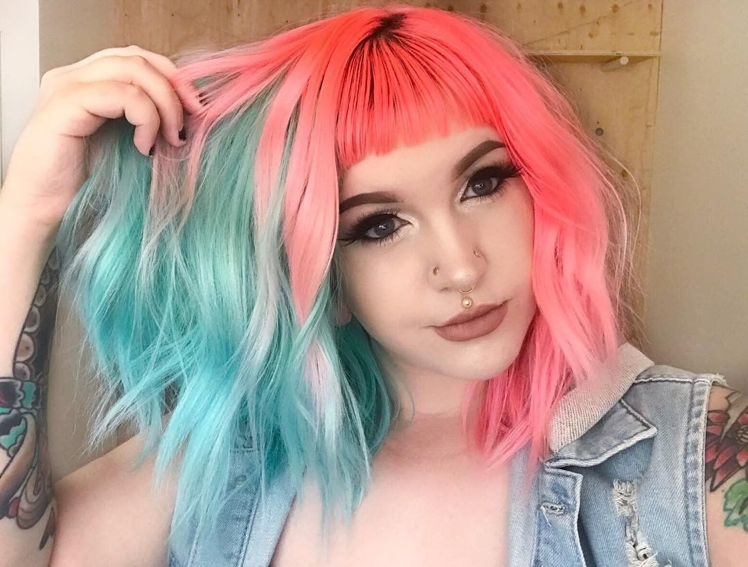 Dragonbby Has Got The Coolest Split Color Using Electric Paradise