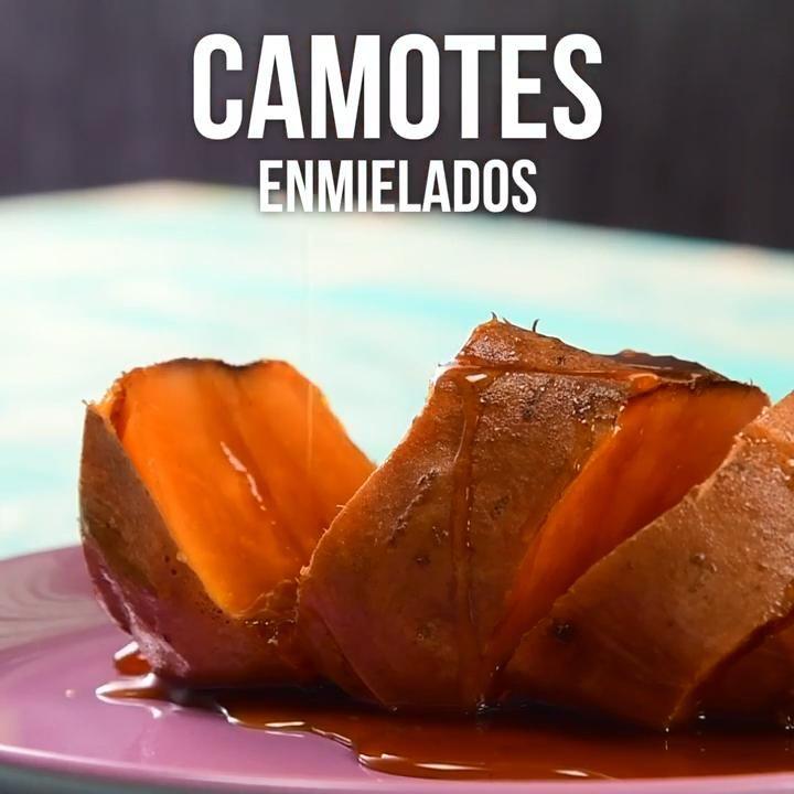 Video de Camotes Enmielados de Carrito Si eres amante de este delicioso postre típico mexicano no dejes de probar esta receta, es ideal para compartir en familia.