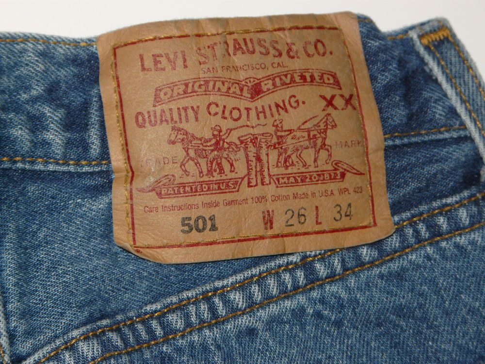 e5736852 Vintage Womens Levi's 501 Button Fly Jeans 26x34 26 x 34 EUC Made in USA # Levis