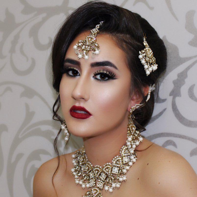 Traditional Indian Pakistani Bridal Makeup Look Golden Eye And