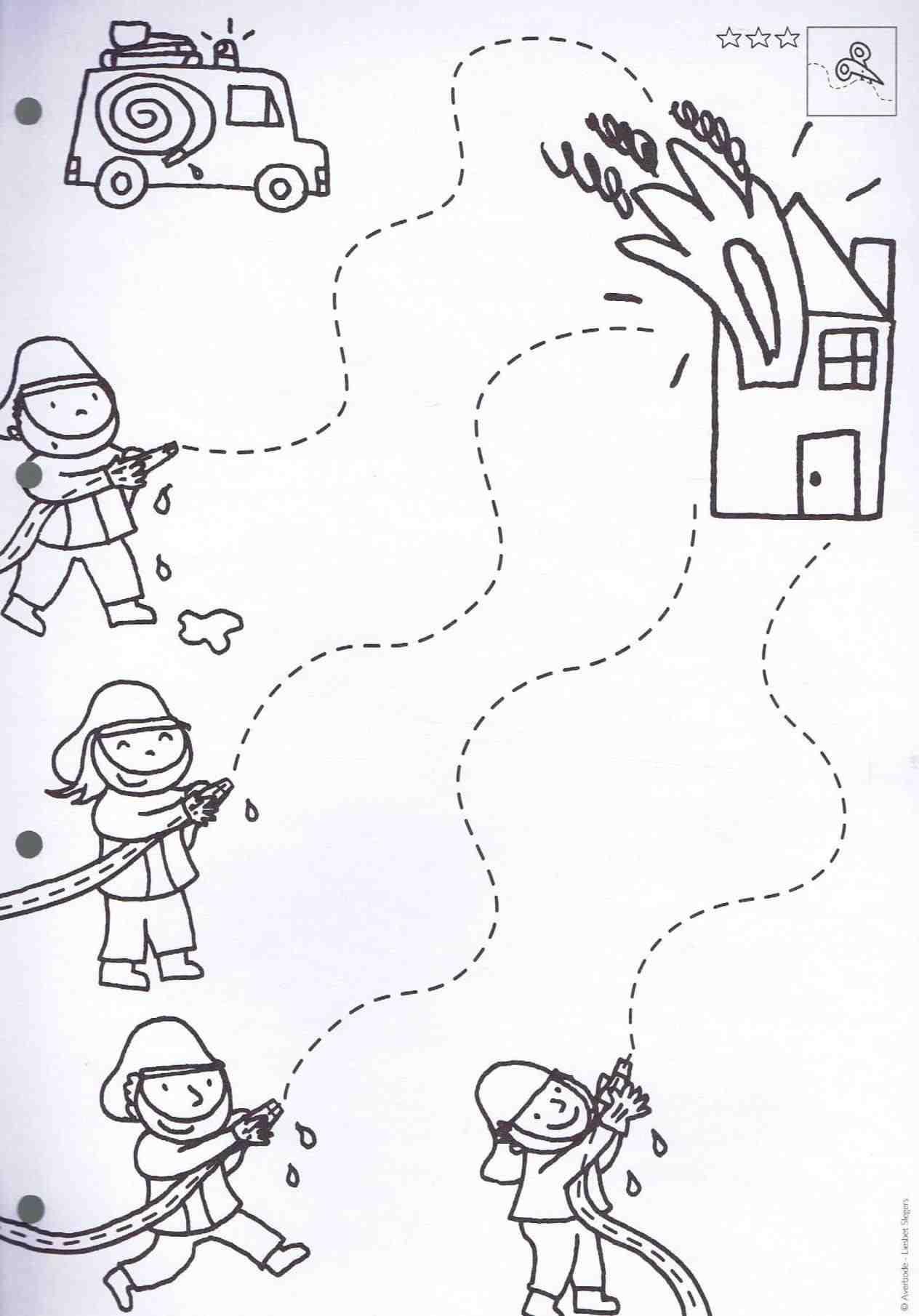 Firefighter Craft Firemen Safetyrhpinterestcom Firefighte Community Helpers Preschool Crafts Community Helpers Preschool Community Helpers Preschool Activities [ 1810 x 1264 Pixel ]