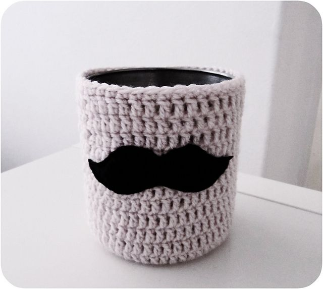 Ravelry: Mustache Cutlery caddy pattern by Suzanne Crea in the City