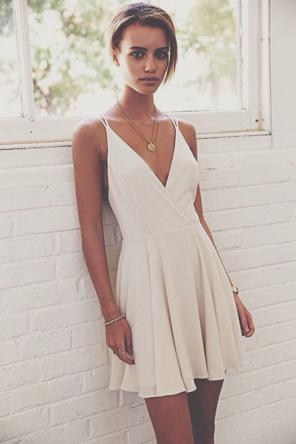 b8c9cd617af Amazing white dress. Minimalist look