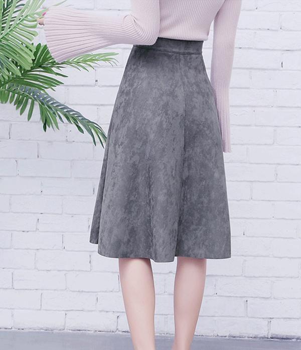 9c0519982 Neophil Women Suede High Waist Midi Skirt 2019 Winter Vintage Style Pleated  Ladies A Line Black Flare Skirt Saia Femininas S1802