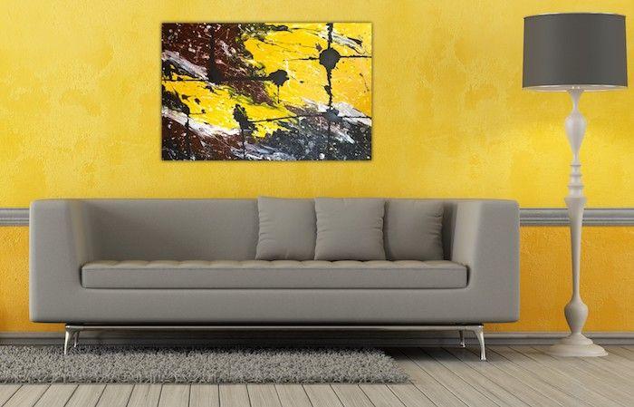 Gelb Anstelle Von Wandfarbe Hellgrau, Buntes Wandbild An Der Wand, Gelb,  Grau,