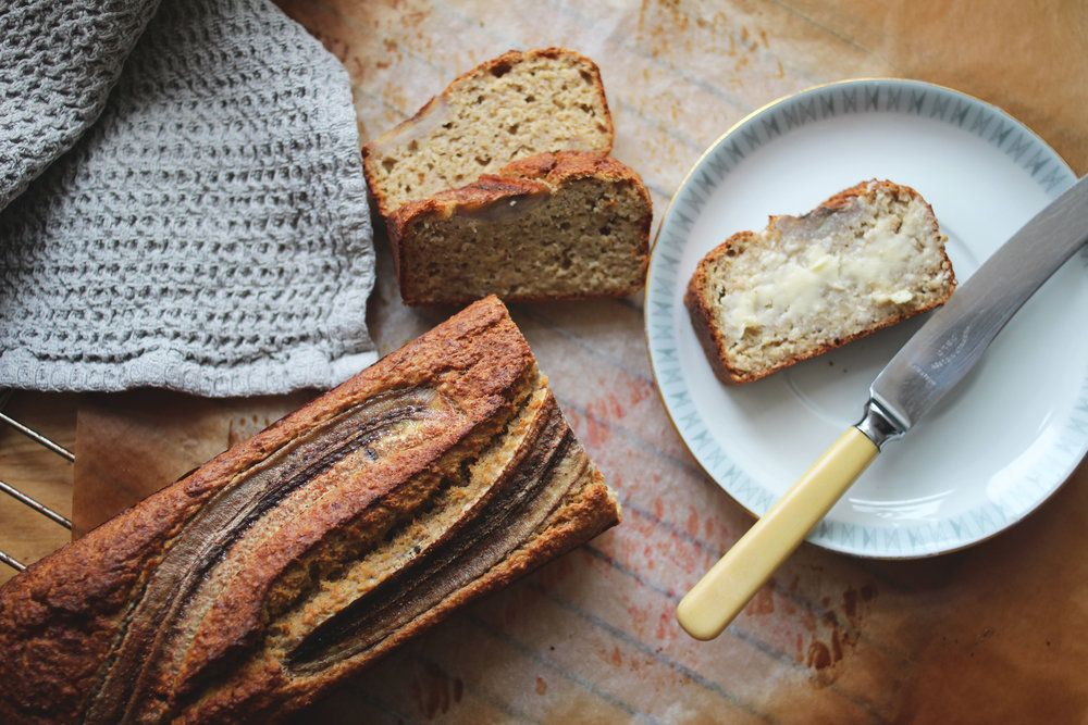 Saftig bananbrød med havre — Happy Food Stories