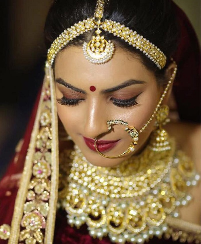 15 Bridal Nose Rings That'll Fit The Romantic Vibe Of