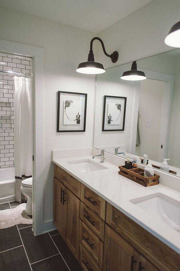55+ Beautiful Urban Farmhouse Master Bathroom Make