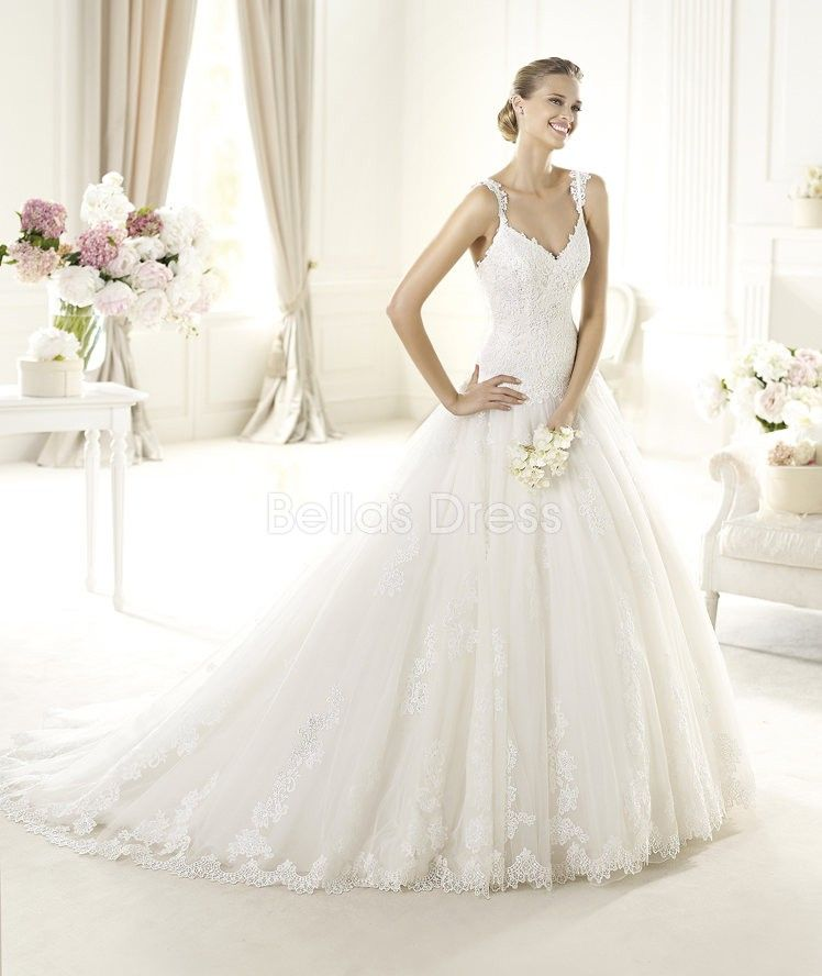 Straps A line Chapel Train With Lace Appliques Tulle Wedding Dress
