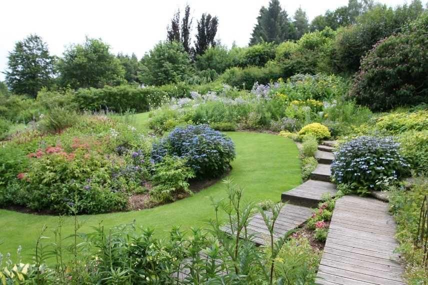 Comment Amenager Un Jardin En Pente Jardin En Pente Comment Amenager Son Jardin Amenagement Jardin