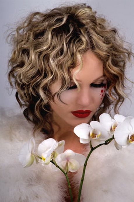 Frisuren Für Locken Mittellang Frisur Pinterest Hairstyles