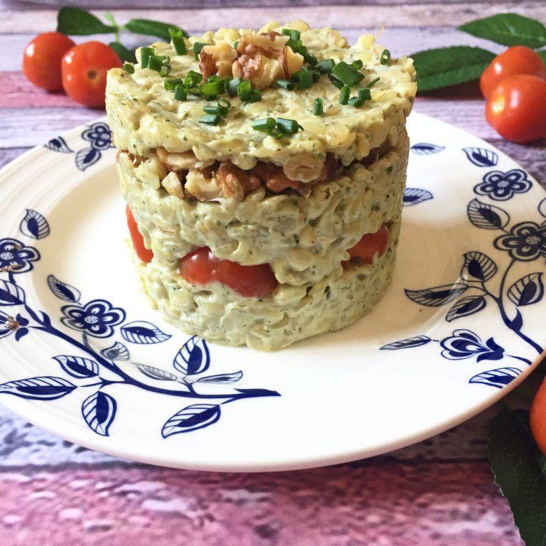 Timbal de Mote, mayonesa albahaca, tomate y nuez