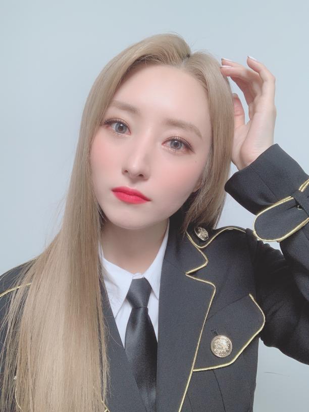 Dreamcatcher Official App In 2020 Dream Catcher Asian Celebrities Kpop Girl Groups