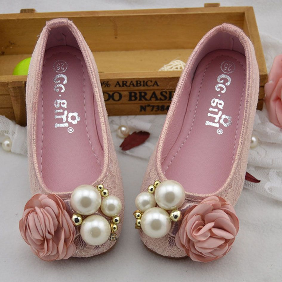 2017 New Flower Baby Party Shoes Slip On Toddlers Girls Princess Shoes For  Wedding Infant Girls Fancy Shoes-in Leather Shoes from Mother   Kids on ... 2456ee7cce97