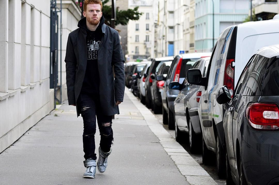 @blakerodich shot in Paris wearing #Margiela #NakedAndFamous  Now live on:  www.ssandeparis.com  Snapchat  jumbobang  #ssande by #AntoineDeAlmeida  #Paris #France #French #Street #Style #Streetstyle #Fashion #StreetFashion #Mode #Moda #NoFilter (à Félix Faure (Paris Métro))