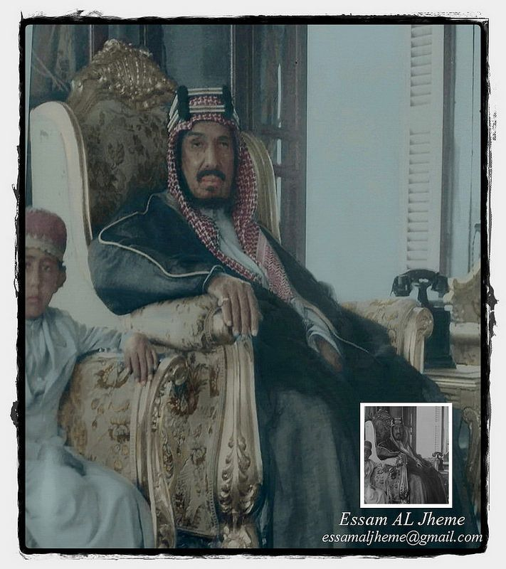 الملك عبدالعزيز بن عبدالرحمن آل سعود وبرفقنه احد ابنائه Old Photography My Images Arabian Art