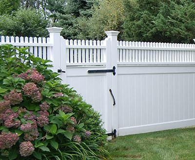 Hollow Vinyl Universal Fence With Highland Topper Wood Solid
