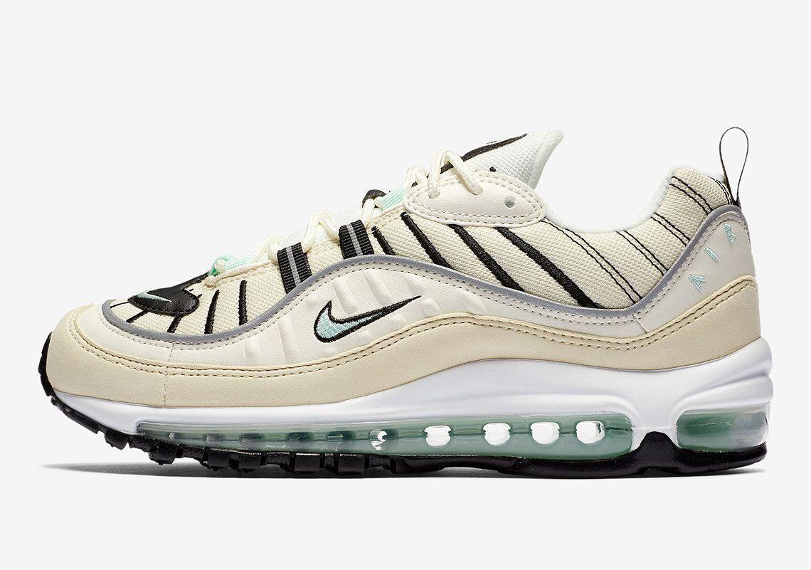 online retailer ef1bf 7ceba Nike Air Max 98 Igloo AH6799-105  SneakerNews.com Baskets, La Boutique