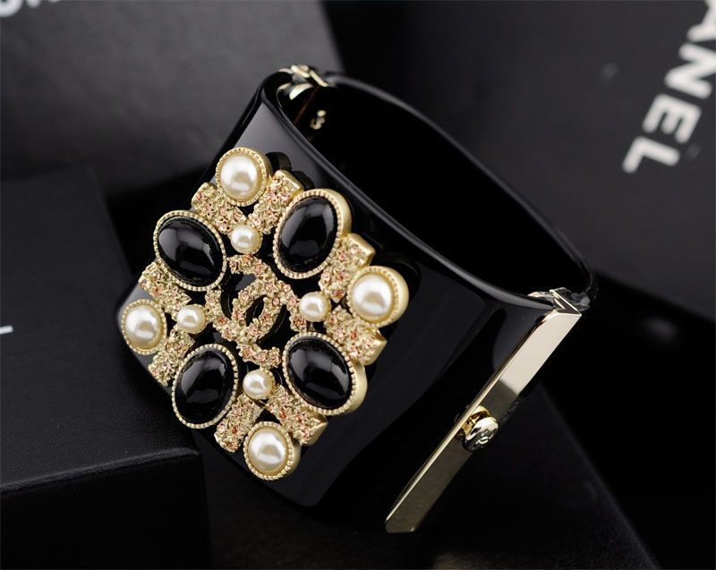Replica Chanel Design Famous Brand Metal And Resin Bracelets