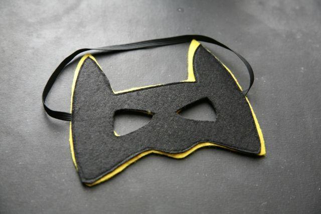patron et petit tuto pour r aliser un masque batman diy d guisements pinterest batman. Black Bedroom Furniture Sets. Home Design Ideas