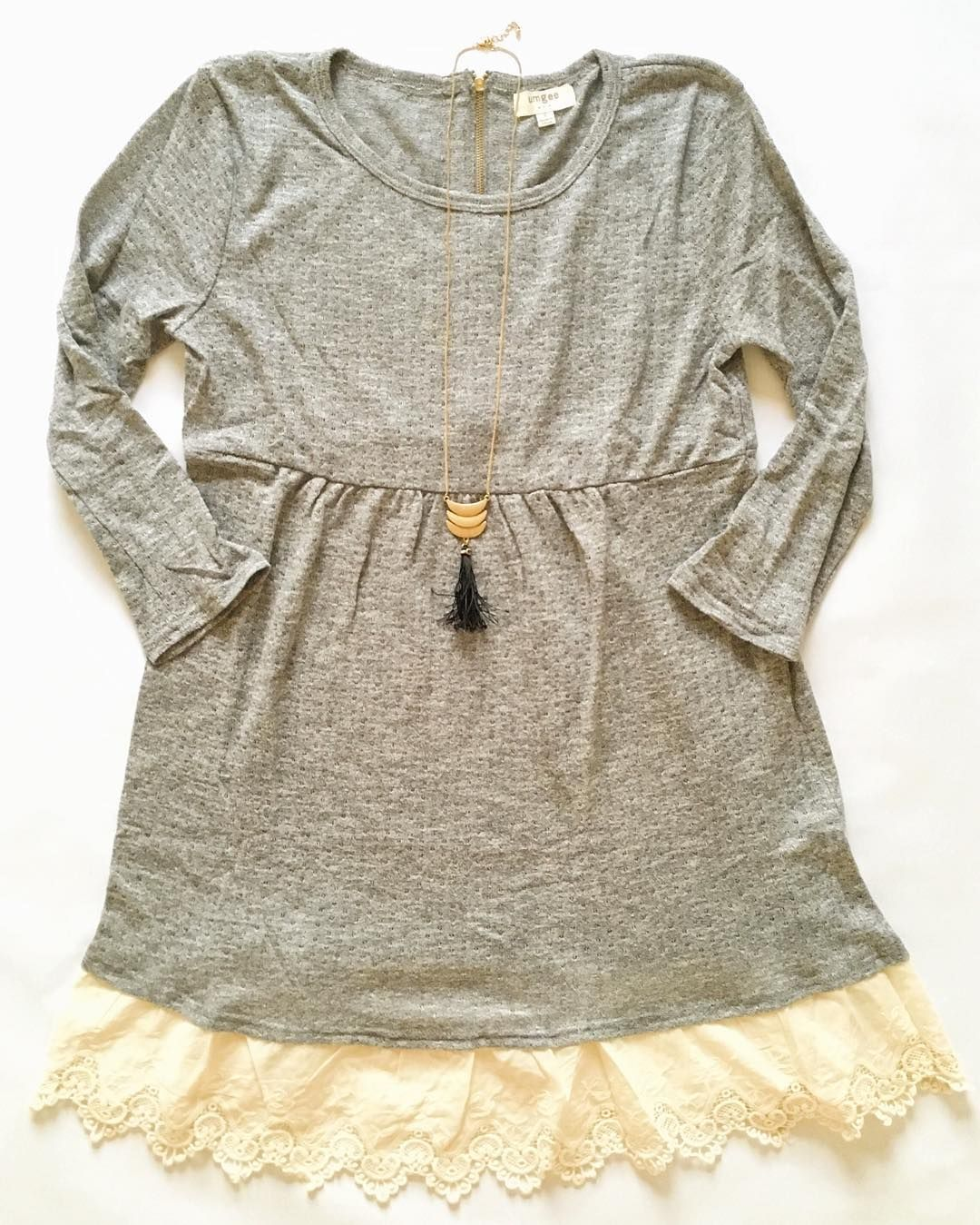 Easin' into warmer weather // Lace details & super soft grays // This tunic top dress has the sweetest zipper back detail! // $32 // link in bio  Don't forget to enter the $50 gift card #giveaway !! Winner announced tonight! {see previous post for details}  #fashion #fashionlove #lookoftheday #fblogs #fashionblog #igfashionlovers #fashiondiaries #styleblogger #ootd #wiw #currentlywearing #springstyle #shopping #springdresses #outfit #stylediaries #trend #win #followme #boutique…