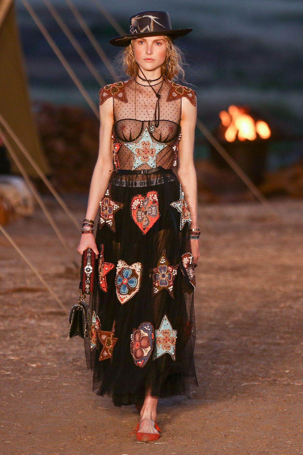 Metallic Minimalistic Fashion // Dior Sunglasses. Georg