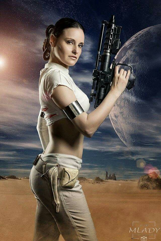 Cosplayer:  Andrea 'Padmé' Ulagová  Photographer: Milos Mlady Photography  Character: Padme Amidala From: Star Wars Country: Czech Republic
