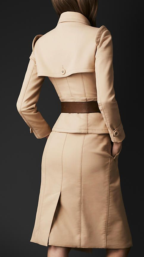 Trenchcoat mit Korsett | Burberry | trenchcoat in 2018 | Pinterest ...