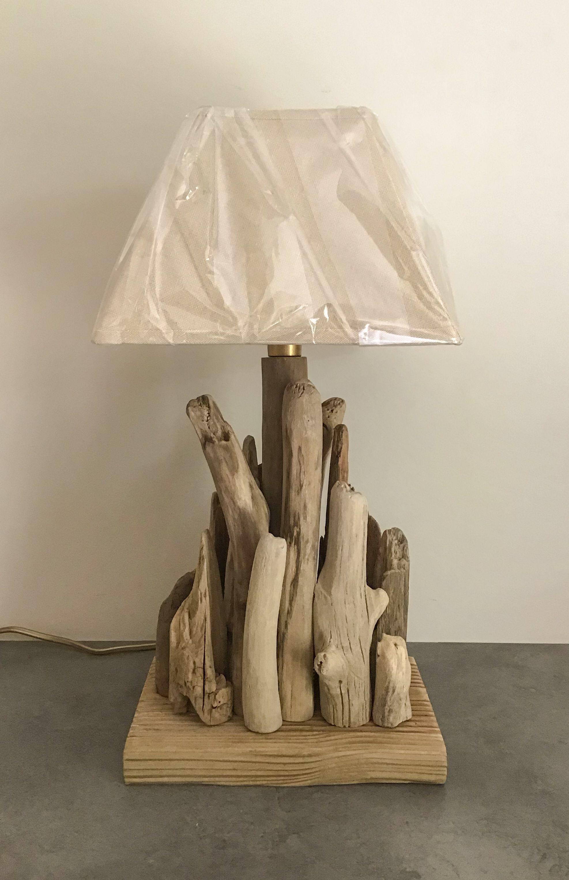 Comment Customiser Une Lampe De Chevet lampe de chevet en bois flotté en 2020 | lampe bois flotté