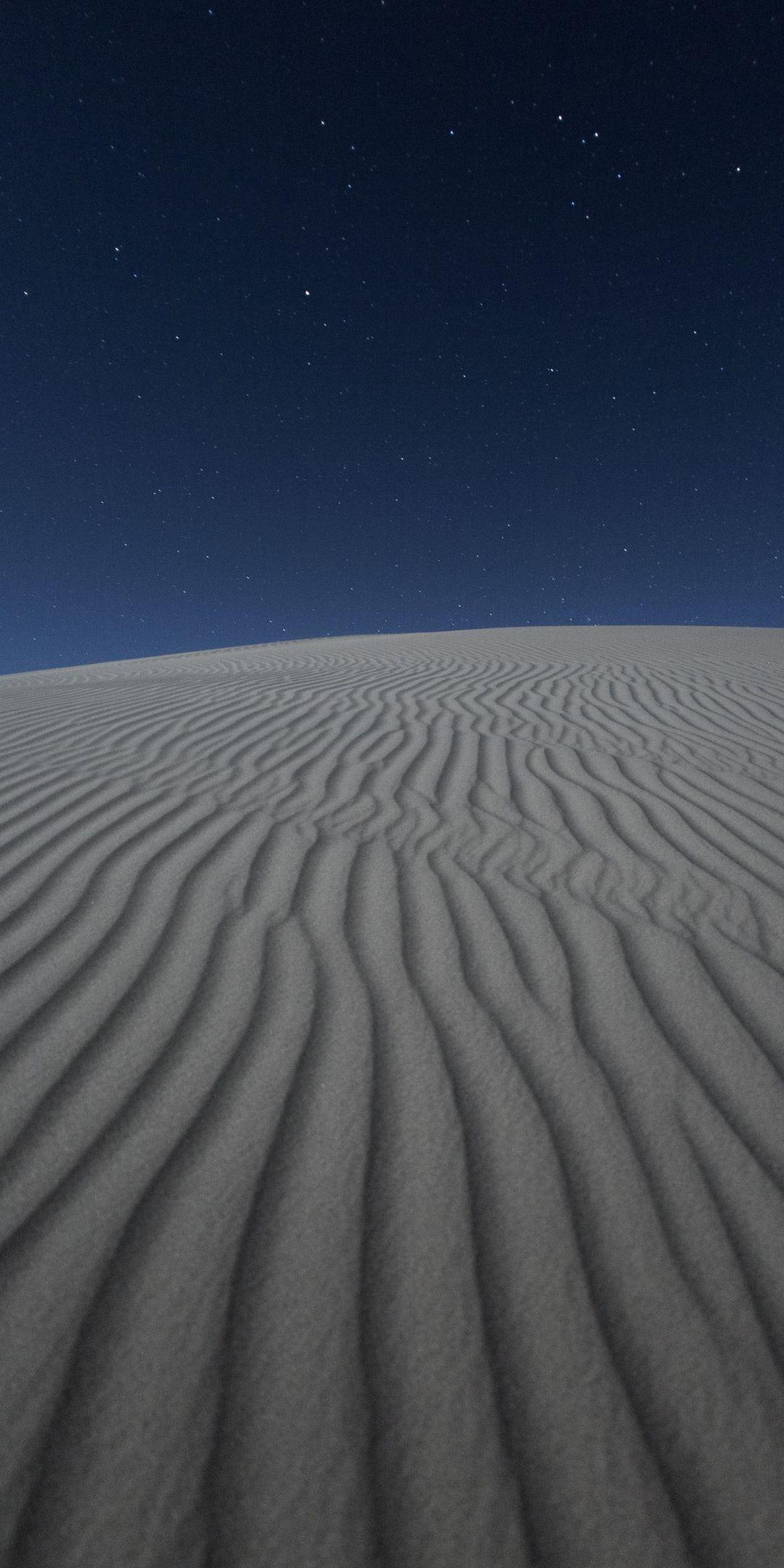Desert Blue Sky Sand White Landscape Night Wallpaper Galaxy Phone Wallpaper Night Wallpaper Iphone Wallpaper