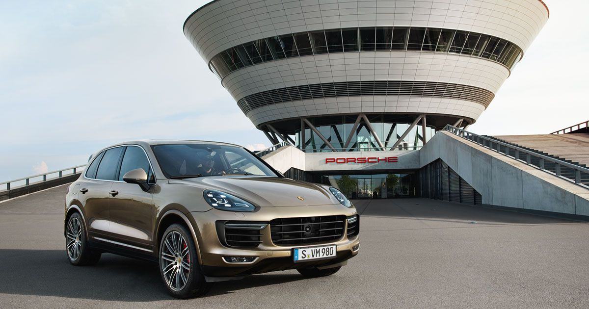 Experience the new Cayenne at Porsche Leipzig in the web special.