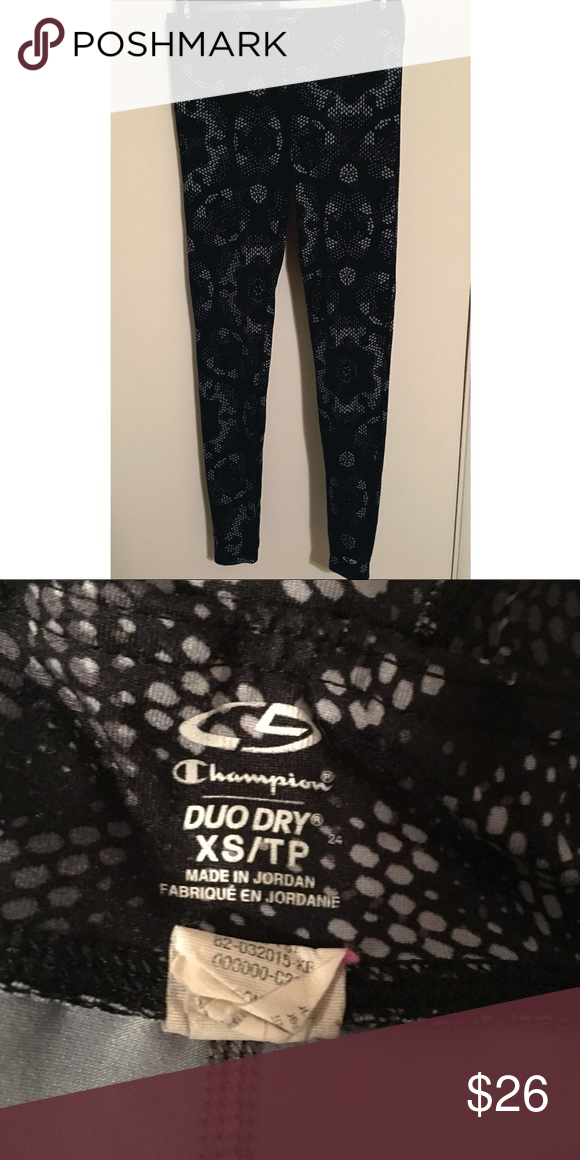 546cd8107aaf Champion Workout Leggings Very soft   comfortable duo dry workout leggings!  Excellent condition! Champion Pants Leggings