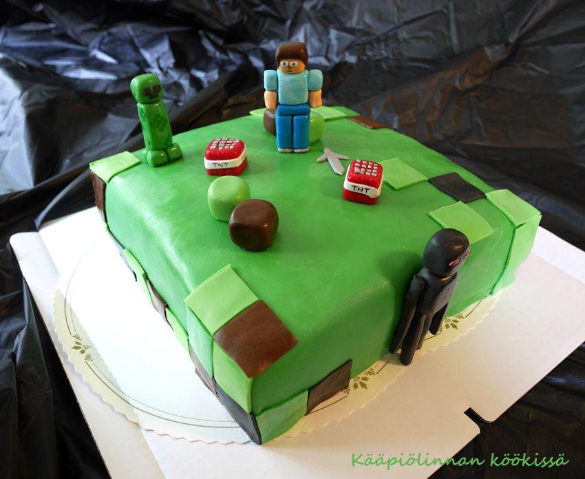 Kääpiölinnan köökissä: Minecraft-kakku Daim-täytteellä