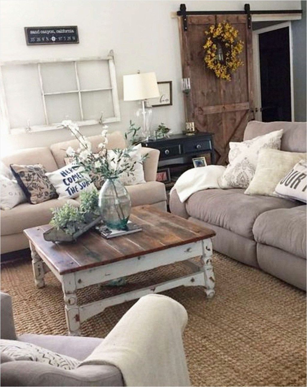 50 Cozy Small Living Room Decor Ideas On A Budget Rustic Chic Living Room Farmhouse Decor Living Room Modern Farmhouse Living Room Decor