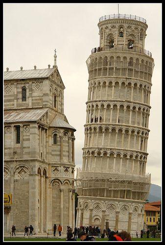 Leaning Tower of Pisa, Pisa, Italy.