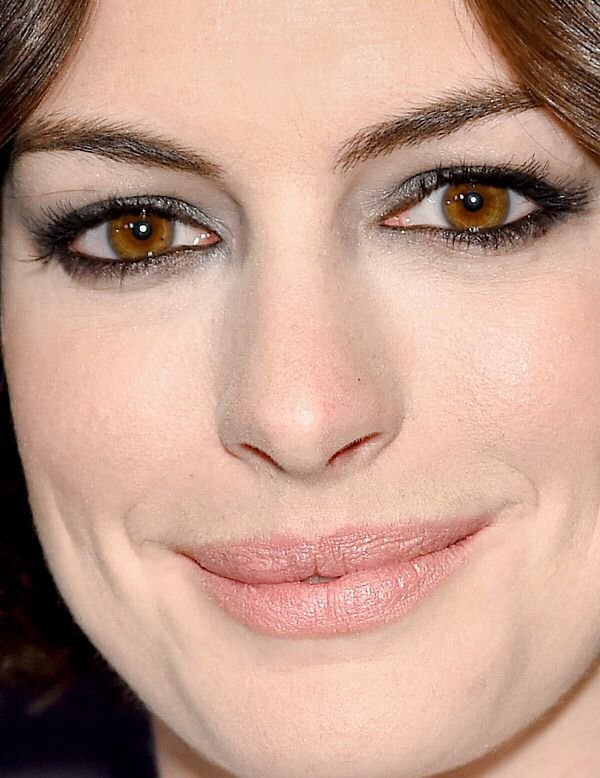 Anne Hathaway Celebrity Closeup Hooded Eye Makeup My Hooded