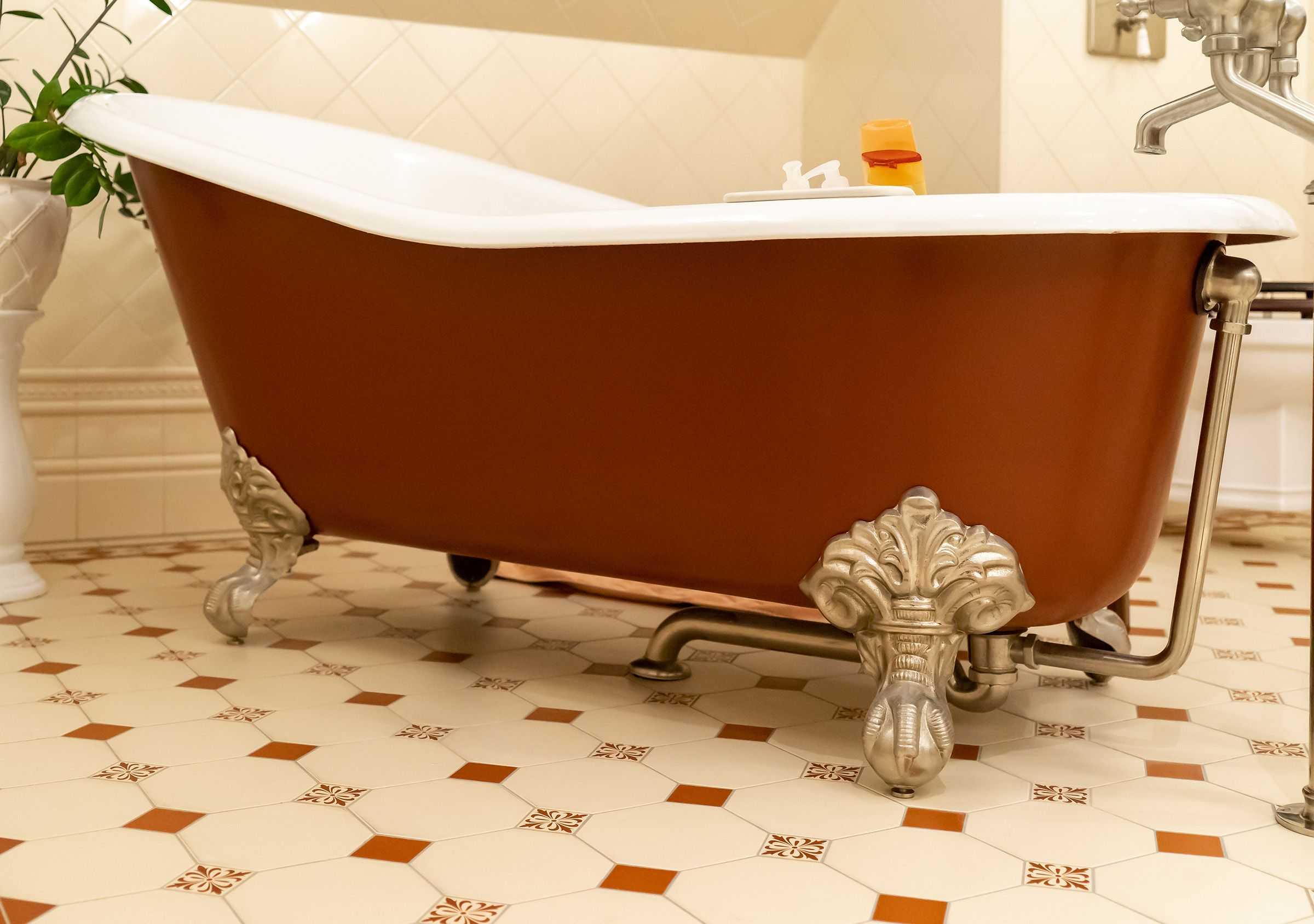 Eine Badewanne In Ihren Personlichen Wunschfarben Mit Einer