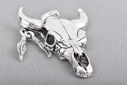 014853291 2 Silver Longhorn COW SKULL Charms or Pendants, Bull Steer Skull Pendant  with Feather Earring, 54x40mm, chs3232