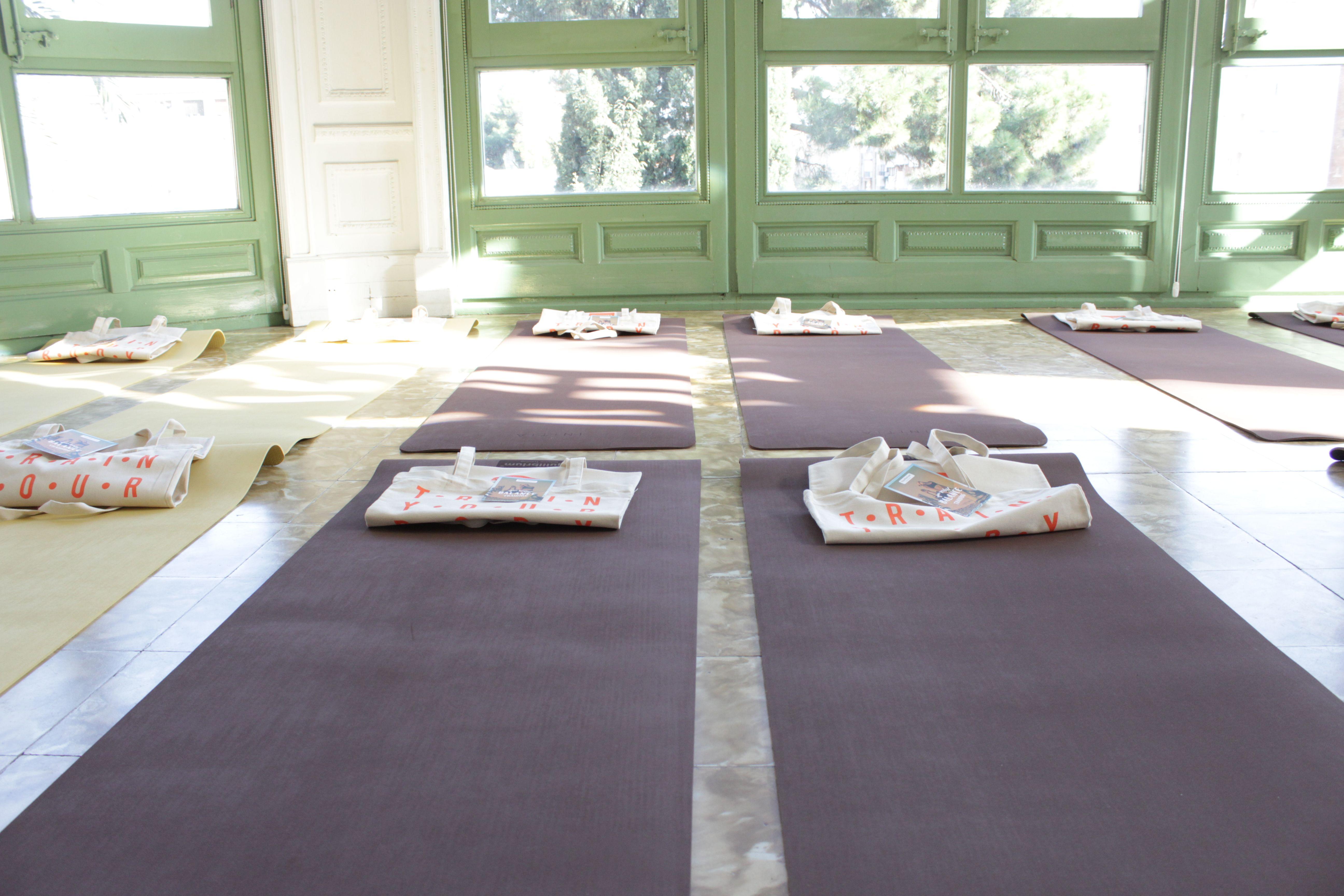 sala-talitha-barcelona-esterillas-yoga