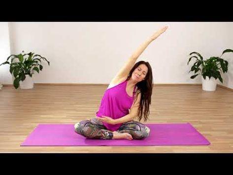 Sitzende Aufwärmübungen | 3. Trimester | Schwangerschafts-Yoga   - fitness - #Aufwärmübungen #Fitnes...