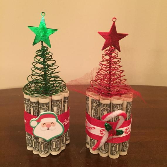These mini christmas money cakes are the perfect gift for someone special in your life! They are made with 10$. They