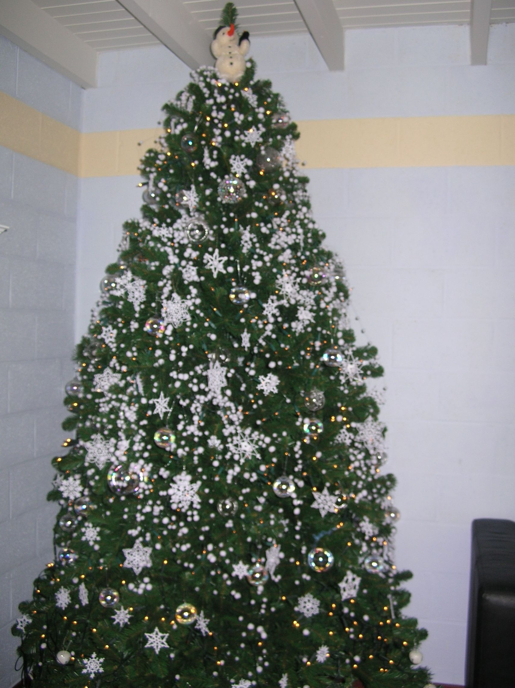 Chrochet snowflakes tree