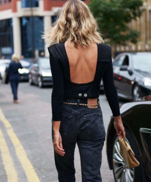 Backless black shirt