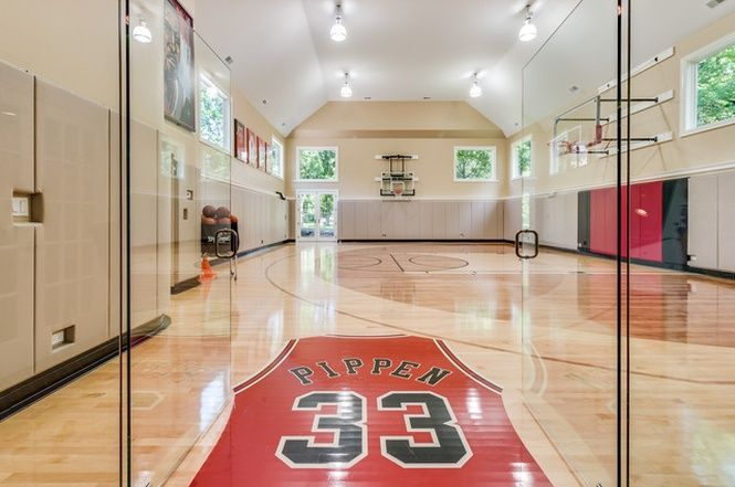 3393 Old Mill Rd Highland Park Il 60035 6 Beds 5 5 Baths Home Basketball Court Indoor Basketball Court Scottie Pippen