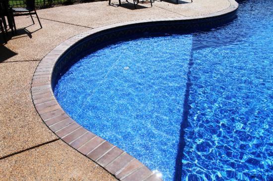 Steps Benches Ledges Aloha Pools Spas Jackson Paducah Union City Jonesboro Cape Girardeau Ky Tn Ar Mo