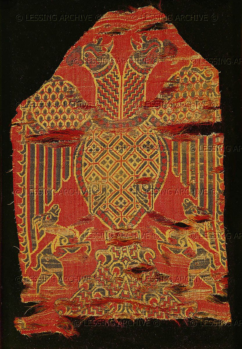 double headed eagle spanish silk 13th cent musee historique des tissus lyon france medieval. Black Bedroom Furniture Sets. Home Design Ideas
