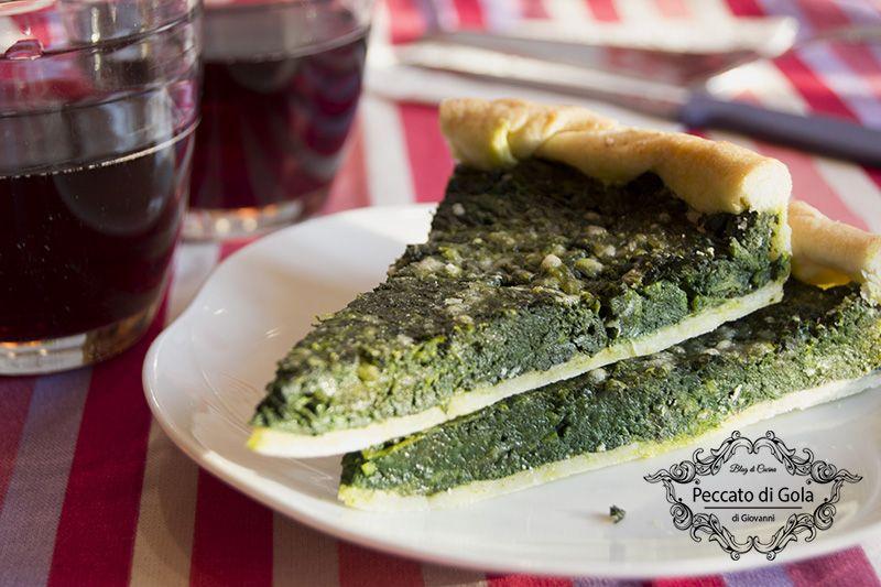 L'erbazzone o scarpazzone, piatto tipico reggiano   Cibo