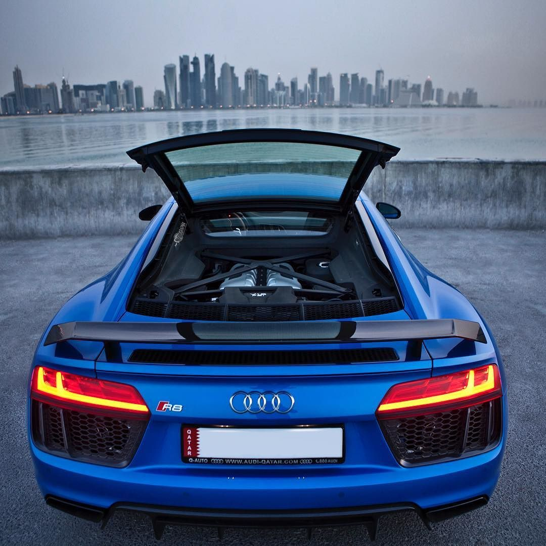 Delicieux Car: 2017 @Audi R8 V10 Plus (610hp V10 5.2 NA) Performance:  0 100kmh(62mph): 2.87seconds (tested) 3.2 Seconds (official) Color: Macaw /  Ara Blue Crystal ...